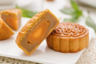 lotus paste mooncake with salted egg yolk